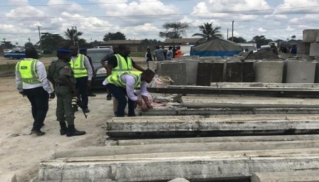 SON CLAMPS DOWN ON SUBSTANDARD CONCRETE ELECTRIC POLES IN PORT HARCOURT